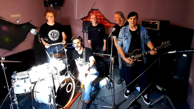 "Koncert benda ""4TOWNERS"" u subotu na platou ispred Holandske"